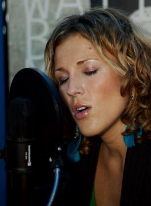 RECORDING ' IZZY SINGS MUSICALS'