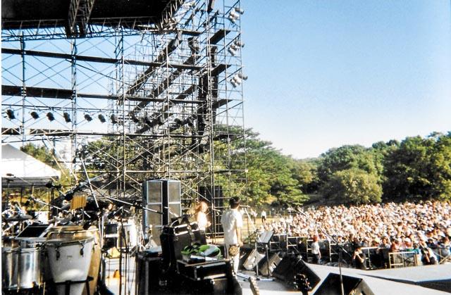 OSAKA - SINGING WITH 'THE BOOM'